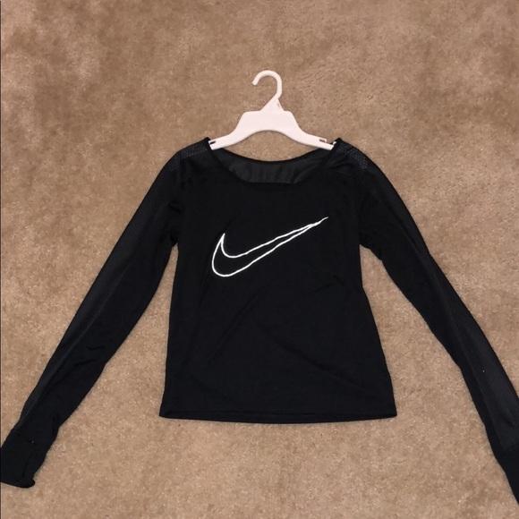 womens black nike shirt